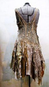 грязное платье