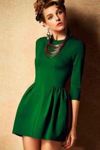 приснилась знакомая женщина в красивом платье