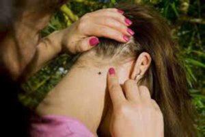Кровопийца на шее