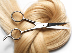 Остричь длинные волосы