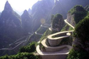 Извилистая дорога наверх