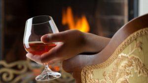 Вино в фужере