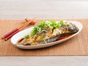 Лакомиться морепродуктами