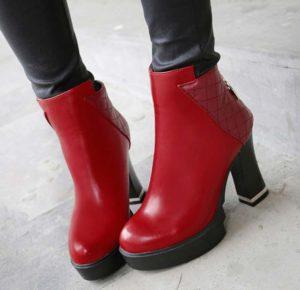 Телку в красных туфлях фото 658-529