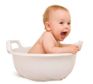 Купать малыша