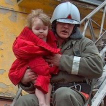 Спасенная девочка