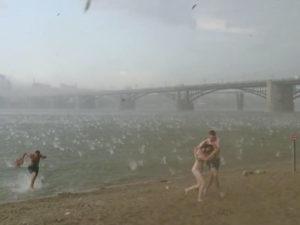 Ураган на пляже