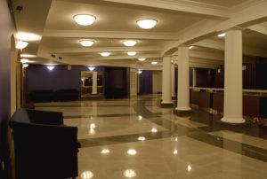 Театральный вестибюль
