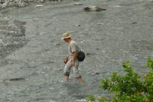 В реке