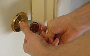 Открывать ключом ванги дверь сонник