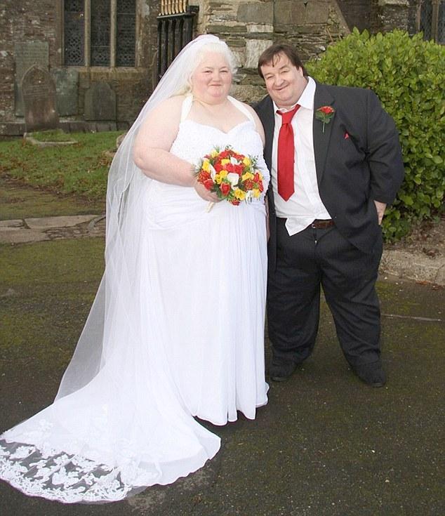 Снилось что сбежала со свадьбы