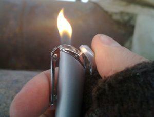 Зажигать огонь