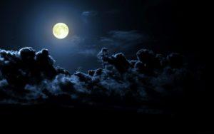 Тусклое лунное освещение