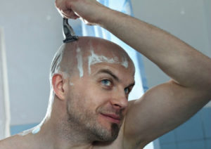 Сбривать волосы