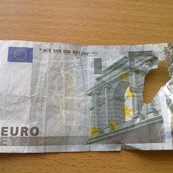 Порванные деньги