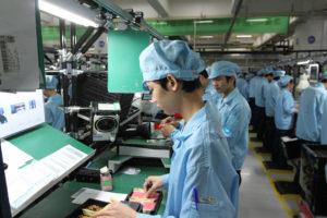 Работать на фабрике