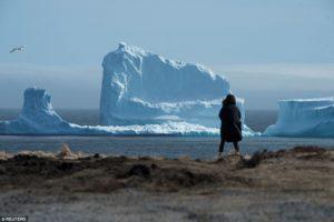 Смотреть на льдины