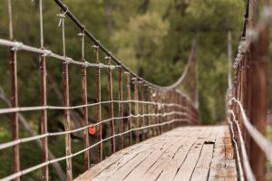 хилый мост