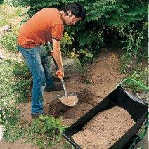 Орудовать лопатой