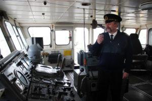 В капитанской рубке