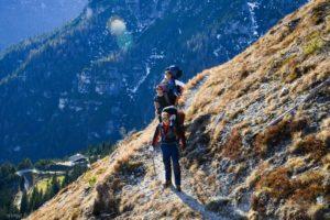 Взбираться на гору